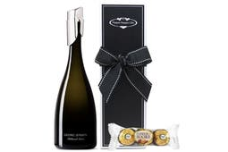A bottle of Georg Jensen Cuvee, a bottle stopper and chocolates beautifully packaged in our signature gift box.
